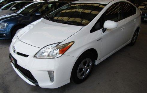 Pongo a la venta cuanto antes posible un Toyota Prius en excelente condicción a un precio increíblemente barato