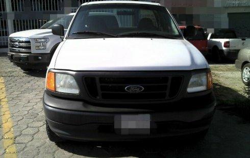 Me veo obligado vender mi carro Ford F-250 2006 por cuestiones económicas