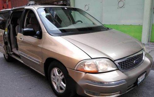 Carro Ford Windstar 2001 de único propietario en buen estado