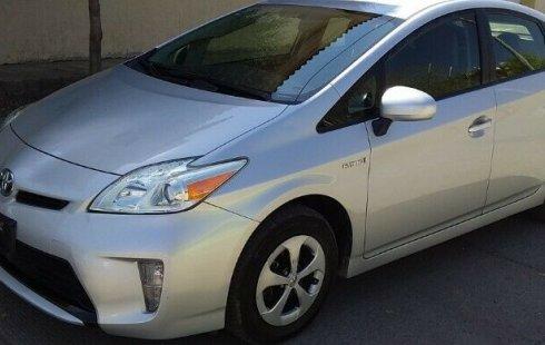 Un carro Toyota Prius 2015 en Sinaloa