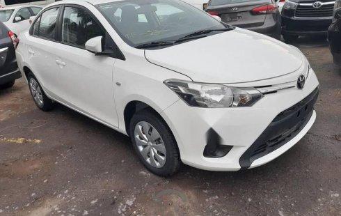 Quiero vender inmediatamente mi auto Toyota Yaris 2017 muy bien cuidado