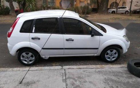 Ford Fiesta 2004 barato en Azcapotzalco
