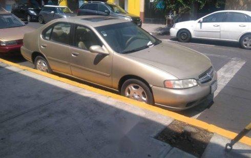 Quiero vender inmediatamente mi auto Nissan Altima 2001 muy bien cuidado