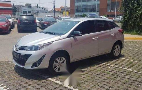 Pongo a la venta cuanto antes posible un Toyota Yaris en excelente condicción