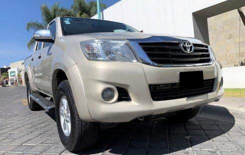 Vendo un carro Toyota Hilux 2013 excelente, llámama para verlo