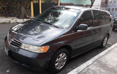 Me veo obligado vender mi carro Honda Odyssey 2004 por cuestiones económicas