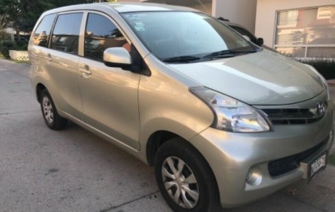 Quiero vender inmediatamente mi auto Toyota Avanza 2012