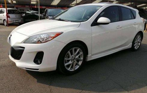Quiero vender urgentemente mi auto Mazda 3 2013 muy bien estado