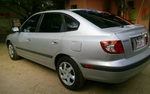 En venta un Hyundai Elantra 2005 Manual en excelente condición