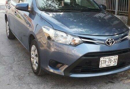 Un carro Toyota Yaris 2017 en Monterrey