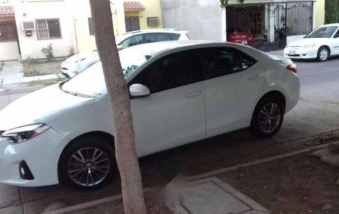 Un carro Toyota Corolla 2015 en Mazatlán