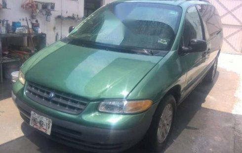Chrysler Voyager 1998 barato en Querétaro