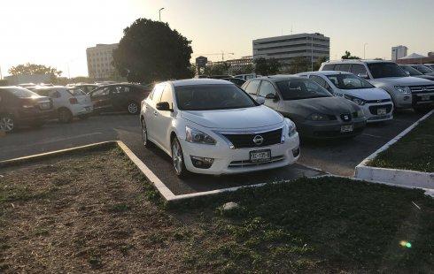 Nissan Altima impecable en Mérida