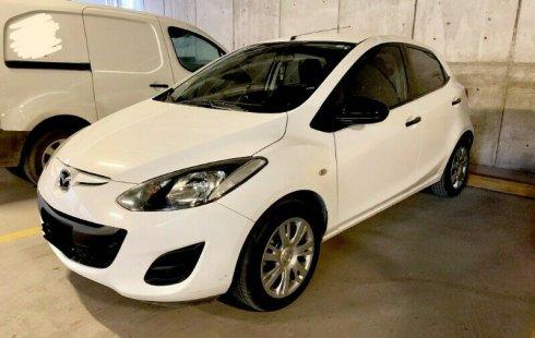 Quiero vender urgentemente mi auto Mazda 2 2012 muy bien estado