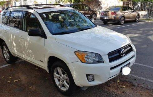 Quiero vender cuanto antes posible un Toyota RAV4 2011