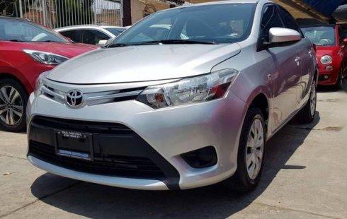 Se vende un Toyota Yaris de segunda mano