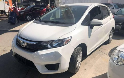 Honda Fit impecable en Iztacalco