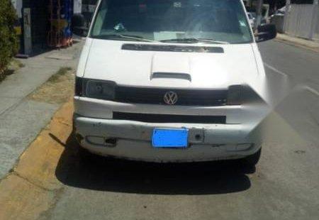 Quiero vender inmediatamente mi auto Volkswagen Eurovan 2002