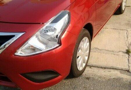 Nissan Versa impecable en Monterrey