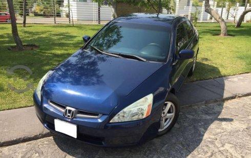Vendo un carro Honda Accord 2003 excelente, llámama para verlo
