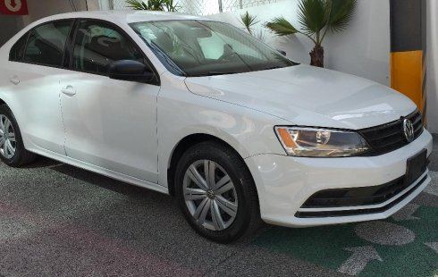 Un carro Volkswagen Jetta 2017 en Miguel Hidalgo