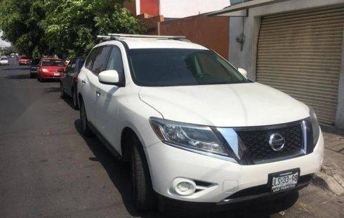 Nissan Pathfinder 2014 usado en Tlaquepaque