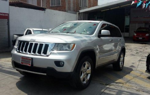 Coche impecable Jeep Grand Cherokee con precio asequible