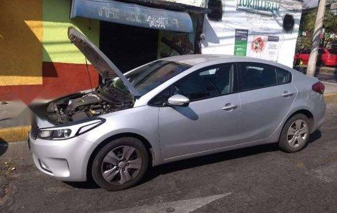 Me veo obligado vender mi carro Kia Forte 2017 por cuestiones económicas