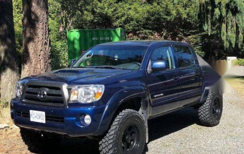 Carro Toyota Tacoma 2008 de único propietario en buen estado