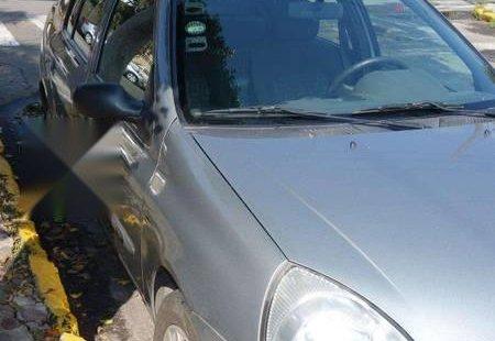 Vendo un carro Nissan Platina 2010 excelente, llámama para verlo
