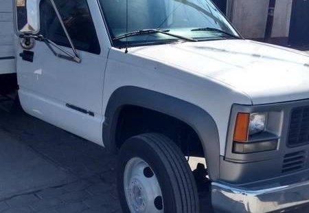 Quiero vender cuanto antes posible un Chevrolet 3500 2005