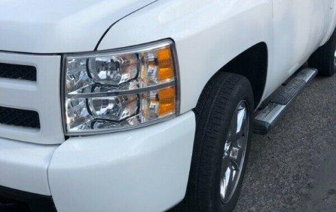 Coche impecable Chevrolet 1500 con precio asequible