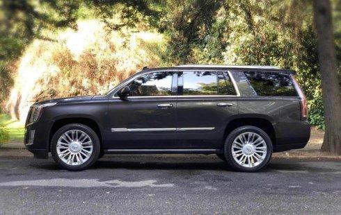 Pongo a la venta cuanto antes posible un Cadillac Escalade en excelente condicción a un precio increíblemente barato
