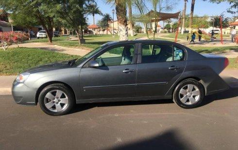 Tengo que vender mi querido Chevrolet Malibu 2006 en muy buena condición