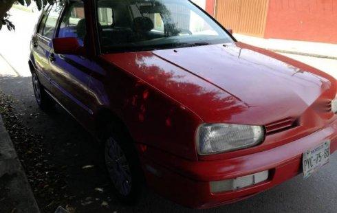 Vendo un carro Volkswagen Golf 1993 excelente, llámama para verlo