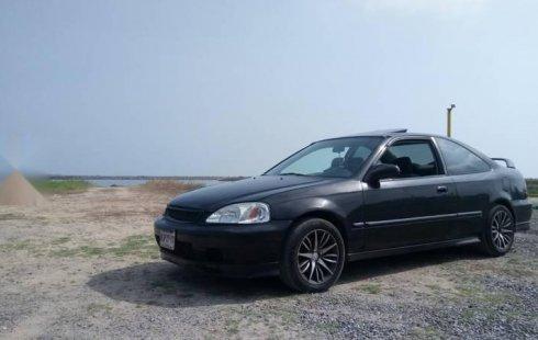 Quiero vender un Honda Civic en buena condicción