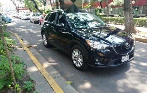 Carro Mazda CX-5 2015 de único propietario en buen estado