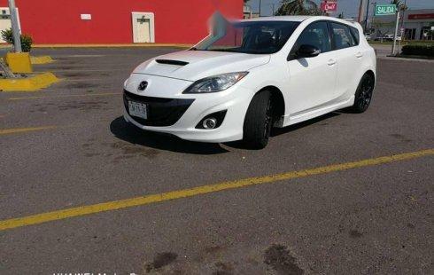 Un carro Mazda 3 2013 en Veracruz