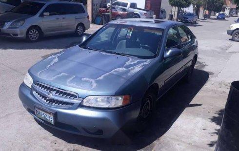 Vendo un carro Nissan Altima 2001 excelente, llámama para verlo