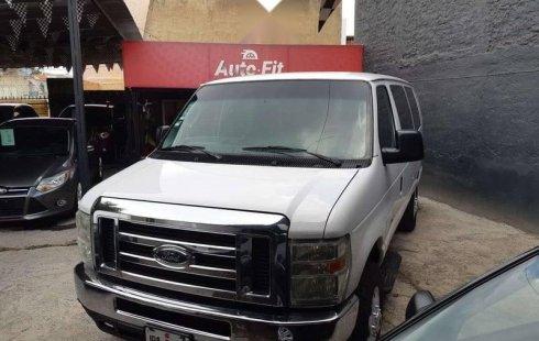 Quiero vender urgentemente mi auto Ford Econoline 2012 muy bien estado