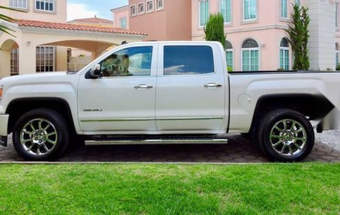 Vendo un GMC Sierra impecable