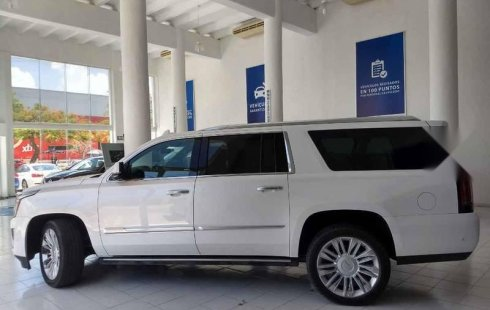 Tengo que vender mi querido Cadillac Escalade 2019 en muy buena condición