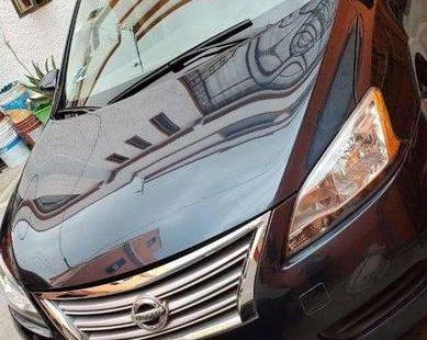 Tengo que vender mi querido Nissan Sentra 2014 en muy buena condición