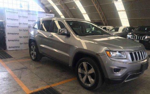 Pongo a la venta un Jeep Grand Cherokee en excelente condicción