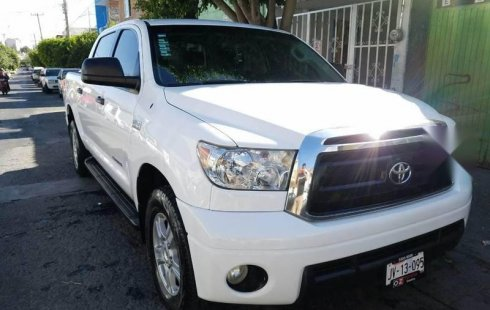 Toyota Tundra 2010 impecable