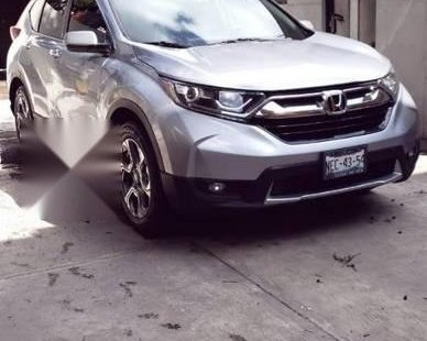Carro Honda CR-V 2017 de único propietario en buen estado
