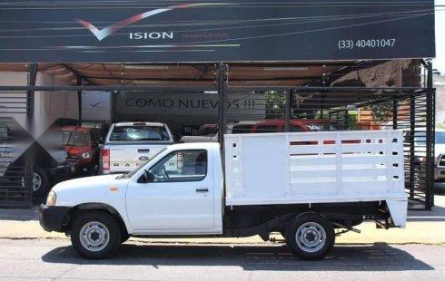Nissan NP300 impecable en Guadalajara más barato imposible