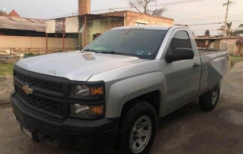 Tengo que vender mi querido Chevrolet 1500 2014 en muy buena condición