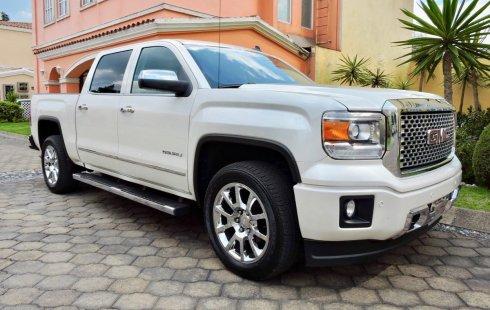 Urge!! Vendo excelente GMC Sierra 2014 Automático en en Toluca