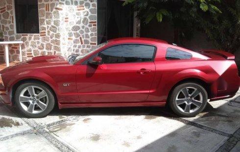 Un carro Ford Mustang 2008 en Texcoco